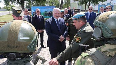 Photo of Президенту продемонстрировали новую форму бойцов Вооружённых Сил