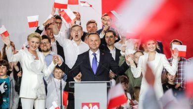 Photo of Экзитполы: Дуда побеждает на выборах президента Польши