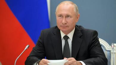 Photo of Путин прокомментировал флаг ЛГБТ, вывешенный на фасаде посольства США в Москве