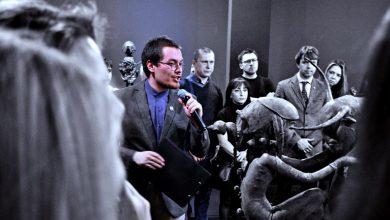 Photo of Экскурсовода уволили из музея за стихотворение в социальной сети