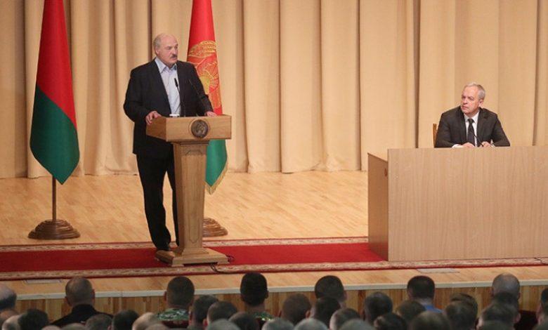президент Беларуси Александр Лукашенко 28 июля 2020 года посетил группу спецназа в Уручье