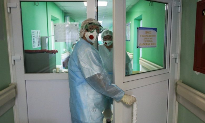 врачи в больнице, коронавирус