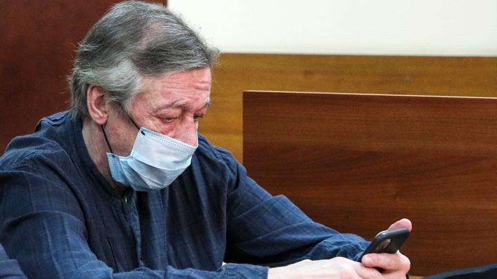 Сотрудник ДПС, видевший аварию с Ефремовым, дал показания в суде