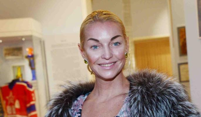 Волочкова не оплатила штраф за нарушение карантина в Дивеево