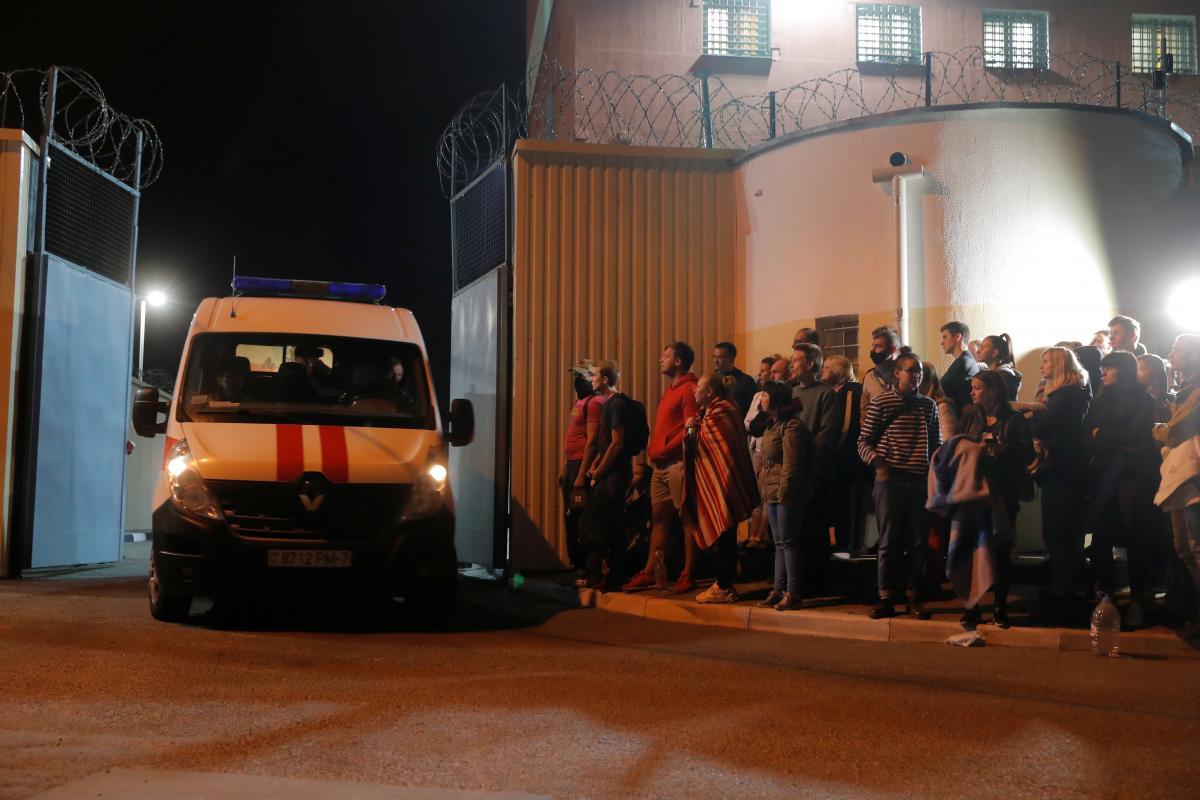 Освобождённых протестующих в Минске доставляют в больницы