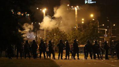 Photo of МВД: протестующий погиб при попытке бросить взрывное устройство. Оно взорвалось у него в руке