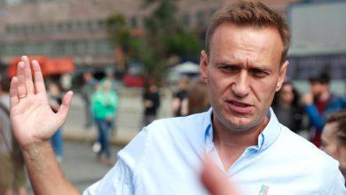 Photo of Навальный утверждает, что за его отравлением стоит Путин