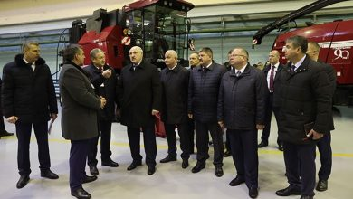 Photo of Лукашенко заявил, что не даст России приватизировать крупные предприятия Беларуси