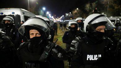 Photo of В Варшаве полиция применила газ и оружие против участников марша независимости