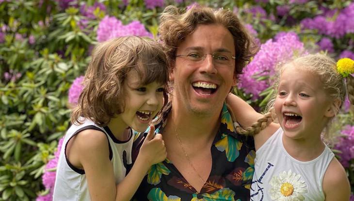 Максим Галкин осознает, что возможно ему придется одному воспитывать детей