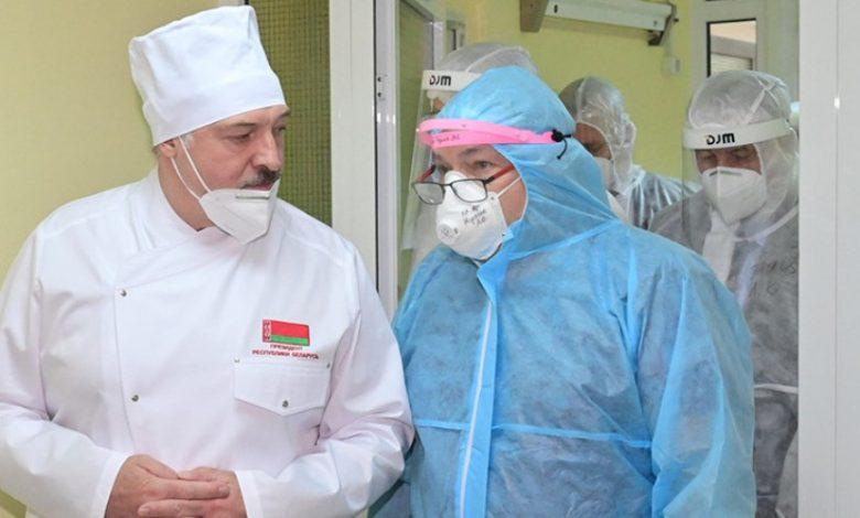 Лукашенко: главная задача врачей — лечить людей, остальное государство обеспечит