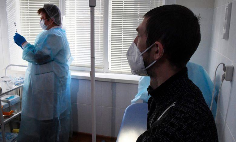 Вакцинация от коронавируса началась во всех регионах России