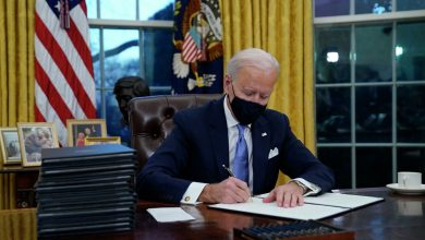 Photo of Джо Байден подписал указы, которые отменяют решения Трампа