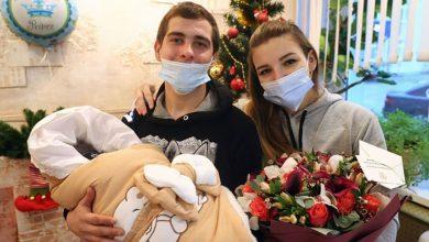 Photo of Лукашенко поздравил семью из Орши, в которой родился первый в 2021 году ребенок