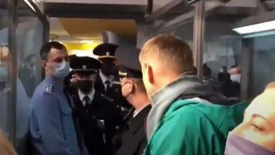 Photo of Навального задержали после возвращения в Россию