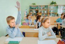 Photo of В Чечерске учительница ударила шестиклассника головой о парту