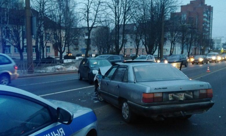 лобовое столкновение, серьёзное ДТП произошло в Гродно утром 2 марта 2021 года