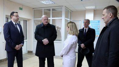 Photo of Лукашенко сегодня посещает районную больницу в Молодечно
