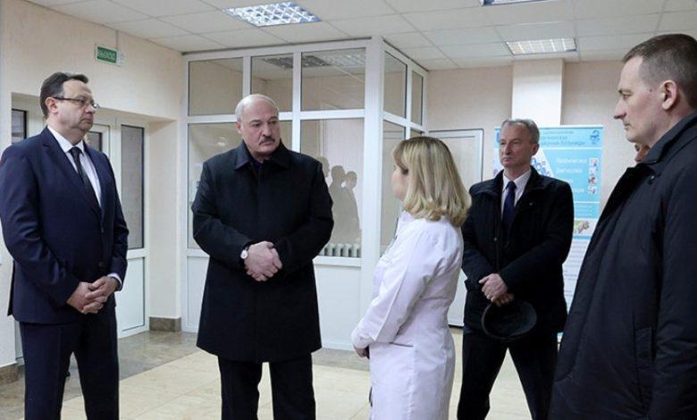 Александр Лукашенко 12 марта 2021 года посетил районную больницу в Молодечно