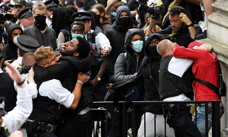 Великобритания продолжает протестовать против третьего по счету карантина