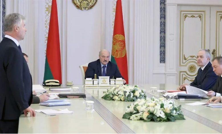 Лукашенко потребовал разобраться с иностранными фондами