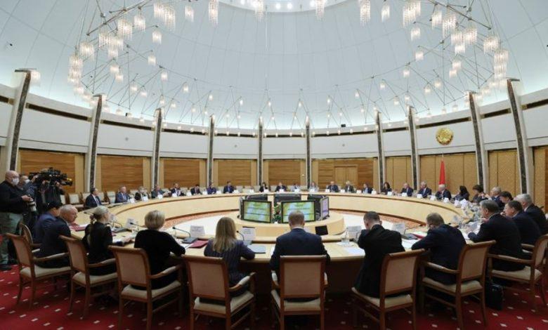 Ряд полномочий президента Беларуси могут закрепить за правительством
