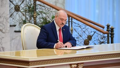 Photo of Лукашенко лишил званий более 80 бывших силовиков