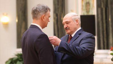 Photo of Лукашенко вручил госнаграды представителям различных сфер деятельности