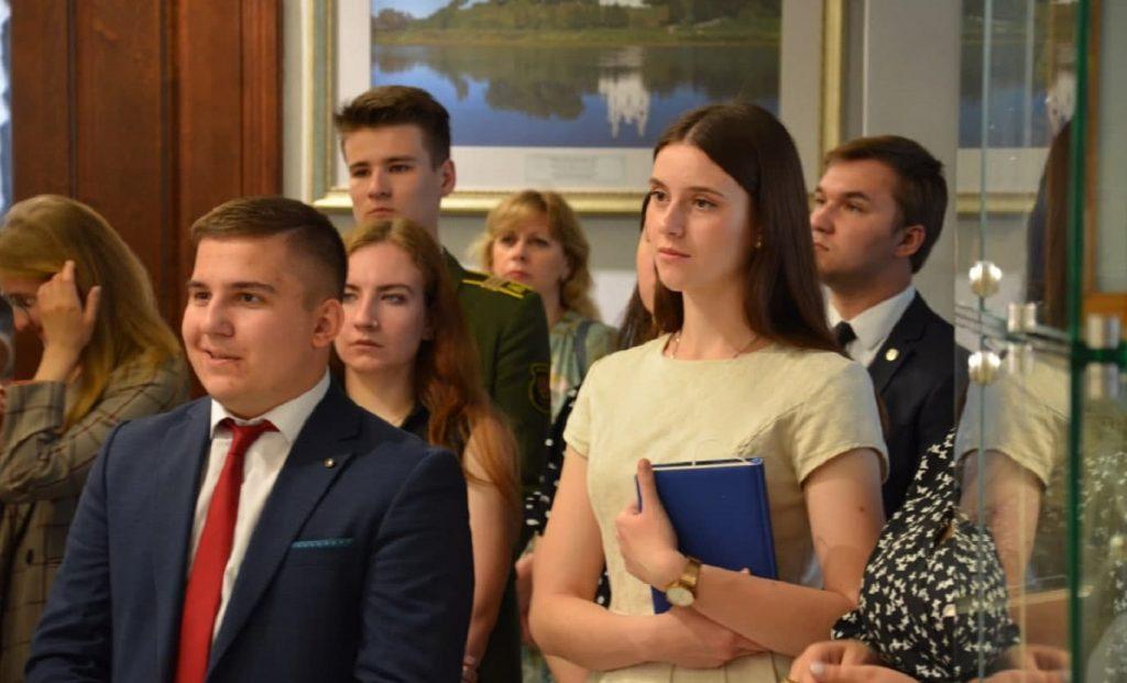Наталья Кочанова проводит встречу со студентами медицинских вузов