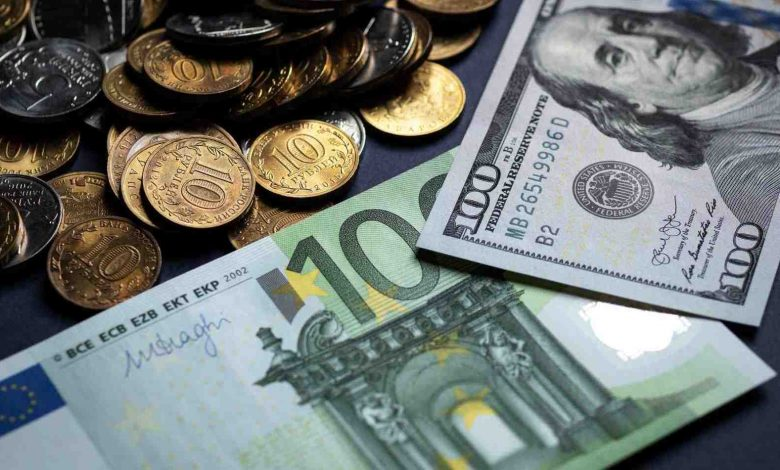 деньги, валюта, курсы валют, доллары и евро