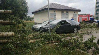 Photo of В Бобруйске после грозового фронта повреждены 12 автомобилей