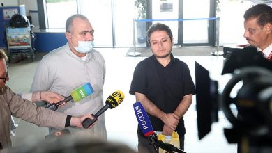 Photo of Родственники умершего на границе иракца прилетели в Минск