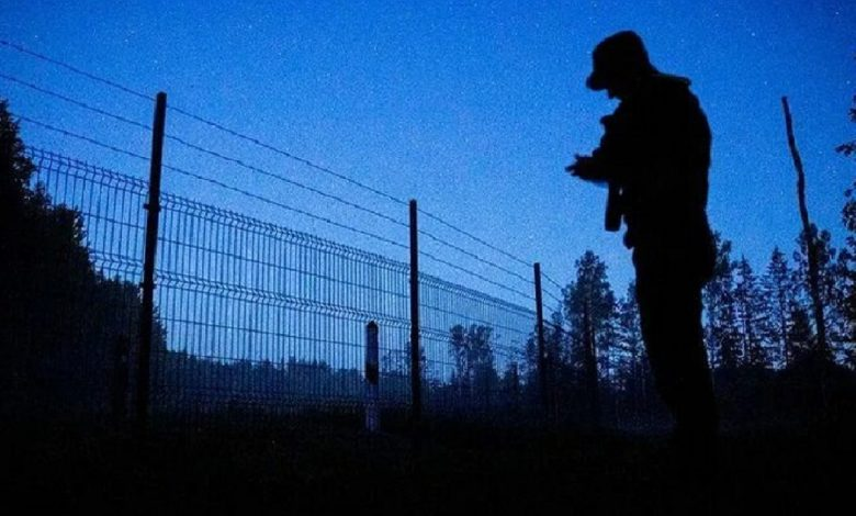 СК задержал людей, занимавшихся переправкой белорусов в Литву