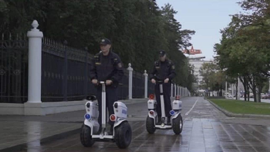 В Минске милиция начала патрулировать улицы на сегвеях