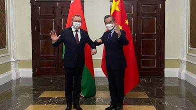 Photo of Макей и Ван обсудили сотрудничество в торгово-экономической сфере