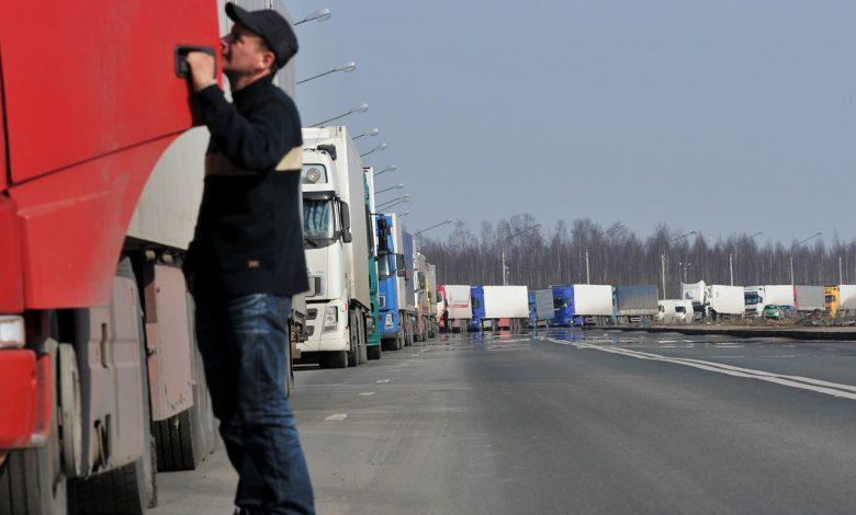 фуры на границе, очередь из большегрузов