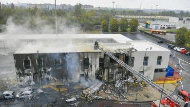 Photo of В Милане частный самолет врезался в офисное здание