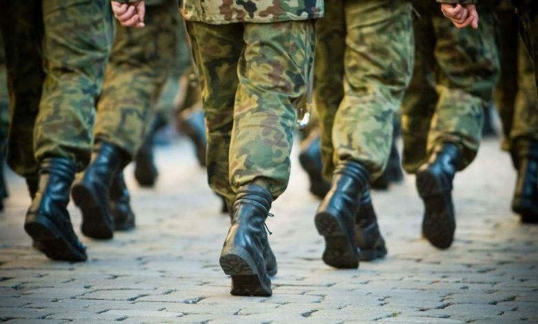 солдаты, на плацу, военнослужащие
