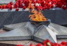 Photo of В Барановичах подростки сожгли ритуальные венки на Вечном огне